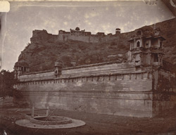General view of the fort from below, Gwalior 10031419